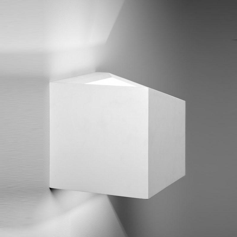 Sforzin applique da parete in gesso cubo philius small t197 luca artioli luceled - Applique in gesso da parete ...