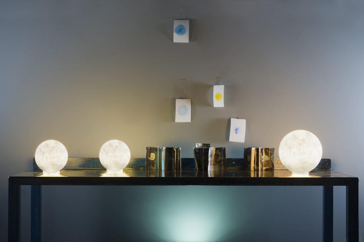 In luna lampada di design da tavolo t moon for Lampada da tavolo di design